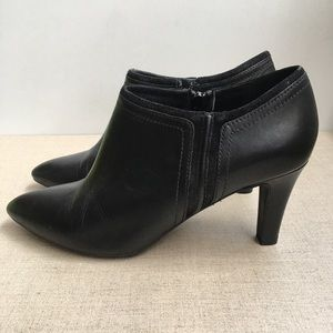 GEOX Women EU 39.5 Black Leather Zip-Up Booties